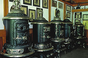 2009_antique_stove
