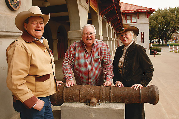 Cannon discovered in the San Antonio River could be tied to the historic Alamo battle.