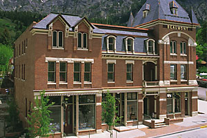 best_hotel_beaumont_spa_ouray_colorado_1886_restoration