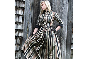 period_western_clothing_women_recollections