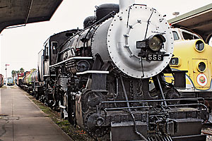 preservation_effort_galveston_railroad_museum_antique_locomotives_model_trains