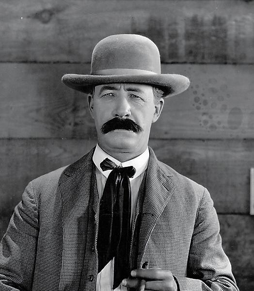 Bert LindleyWild Bill Hickok, 1923