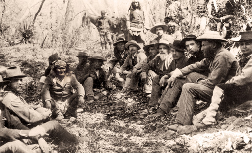 Crook-and-Geronimo_c-s-fly-photo-1886-surrender