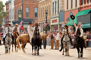 best old west mounted re-enactment_defeat of Jesse James days