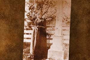 Jesse-James-tomstone-gravesite-historical-gravesite-photo-mother