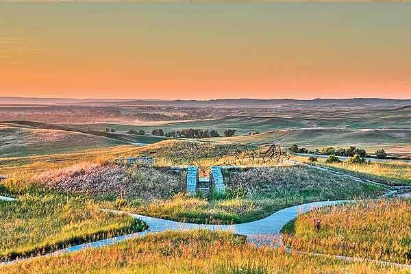 Indian-Memorial-at-Little-Bighorn-Battlefield-National-Monument
