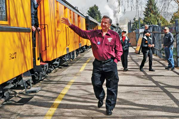 Al-Harper-waving-by-Durango-and-Silverton-train