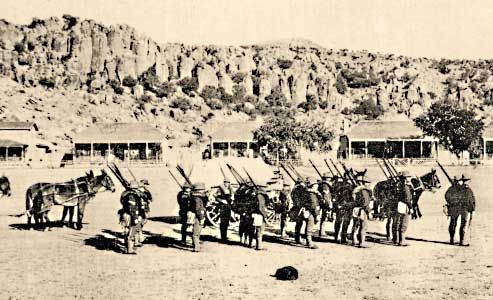 Texas-Territory-foot-soldiers-at-Fort-Davis