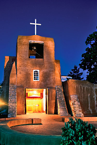 Founded in 1610, the Chapel of San Miguel is the oldest church structure in the United States. Numerous restorations through the centuries, including its adobe exterior between 2008-'10, have maintained the church's unadorned beauty. – Chris Corrie/Courtesy Santa Fe CVB –