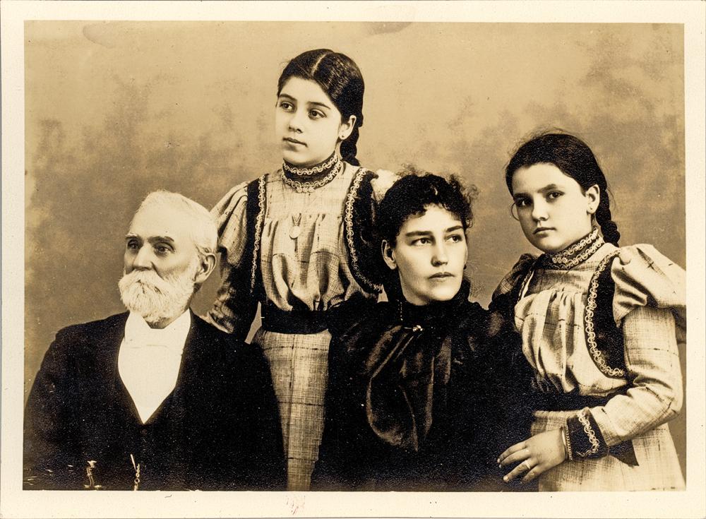 F_Adoption_1756-John-CC-Hill-sits-next-to-his-daughter,-Mrs