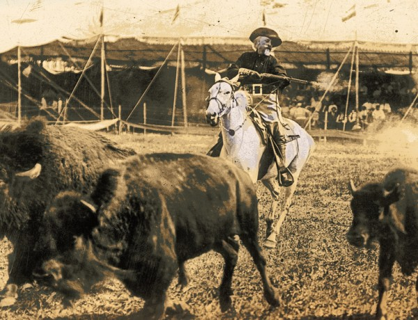 SF_Opening-photo-of-Buffalo-Bill-with-bufffalo_scaled