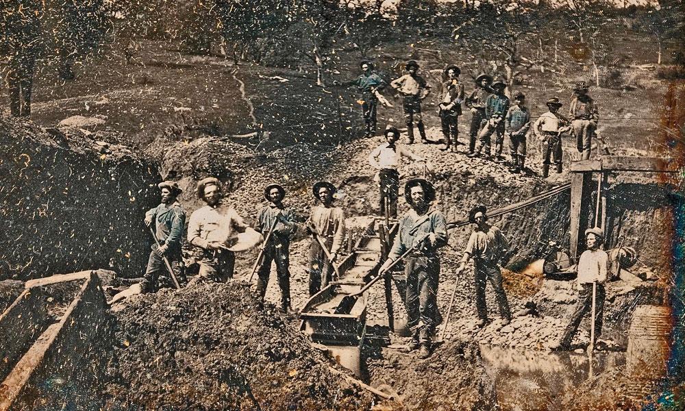 Daguerreotype-California-Gold-Rush-mining-scene-photographed-by-Robert-Vance-circa-1850