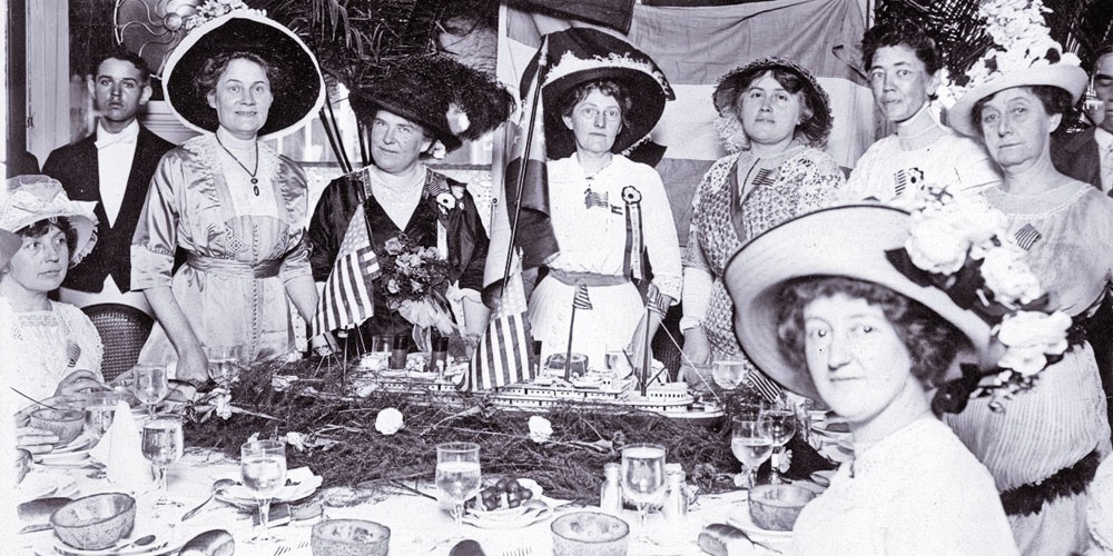 FF_LEAD_Ladies-enjoying-an-elegant-meal,-circa-1910,-in-Denver,-Colorado-(photo-donated-to-the-Brown-Palace)_scaled