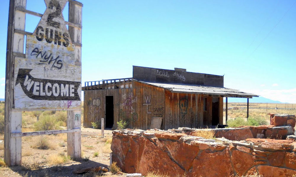 two-guns ghost town