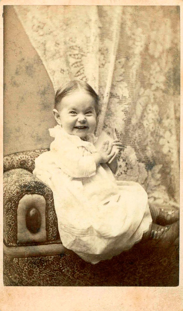Smile_Smiling-1800s-baby