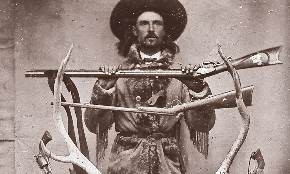 lead_ctw_-Buffalo-Bill-Cody-with-guns-and-game